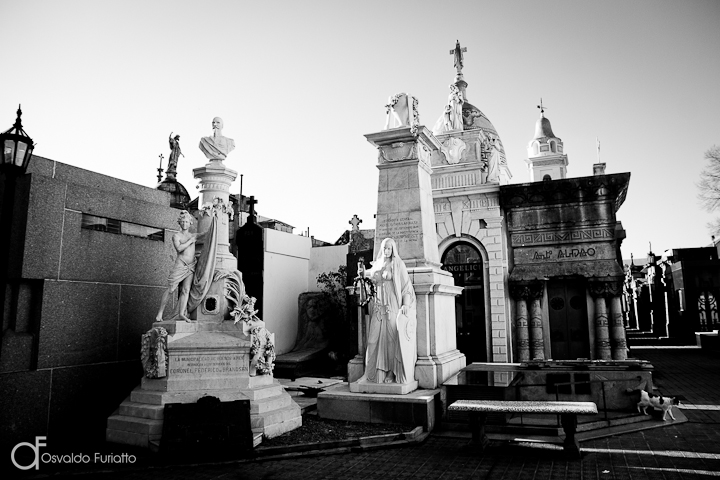 As 100 Sacras: Dia 10 - Cemitério de la Recoleta em Buenos Aires, Argentina