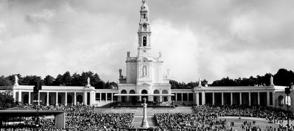 As 100 Sacras: Dia 21 - Santuário de Nossa Senhora de Fátima, Portugal