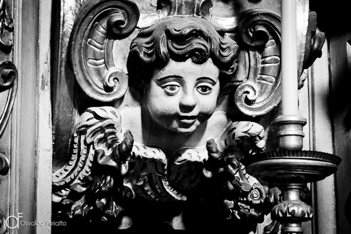 As 100 Sacras: Dia 30 - Anjo barroco na igreja de Santo Antão em Évora, Portugal