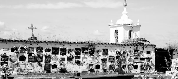 As 100 Sacras: Dia 33 - Cemitério do Rosário em São João del-Rei, Minas Gerais