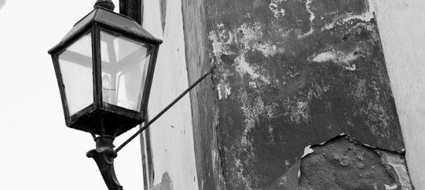 As 100 Sacras: Dia 55 - A iluminação da época do Império trazia luz e fé para as ruas de Paraty, Rio de Jeneiro