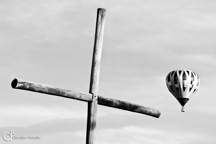 As 100 Sacras: Dia 78 - A fé que surge de dois trancos de madeira