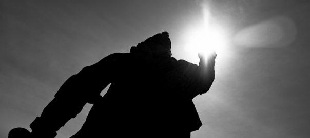 As 100 Sacras: Dia 99 - Profeta Abdias de Aleijadinho em Congonhas, Minas Gerais