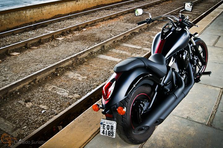 Kawasaki Vulcan 900 Custom #umamotopordia #osvaldofuriatto
