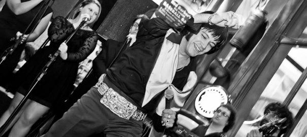 Mark Rio em show tributo a Elvis Presley