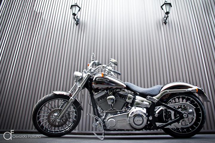 Harley-Davidson Breakout CVO