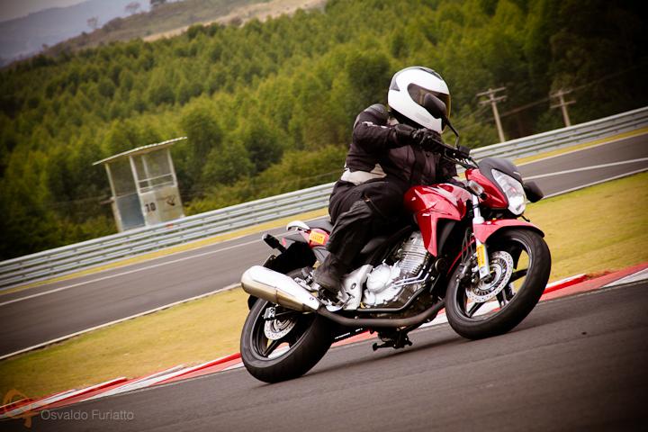 Honda CB300R #umamotopordia #osvaldofuriatto