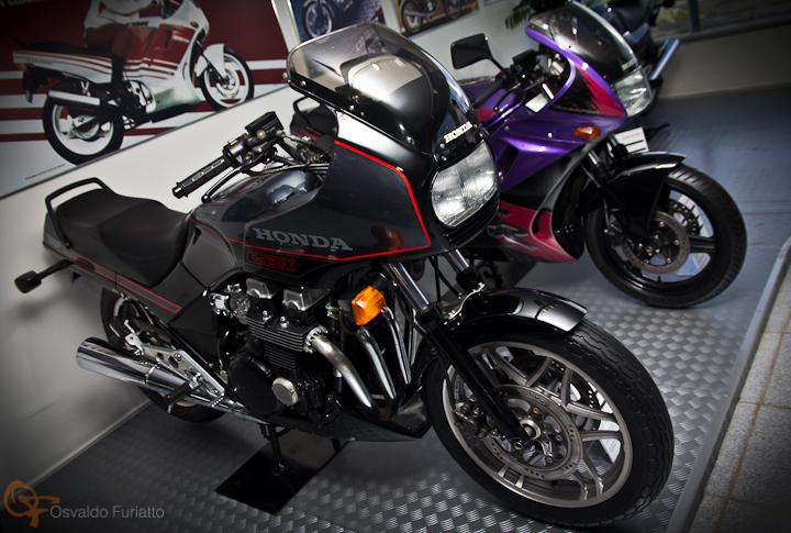 Honda CBX 750F #umamotopordia #osvaldofuriatto