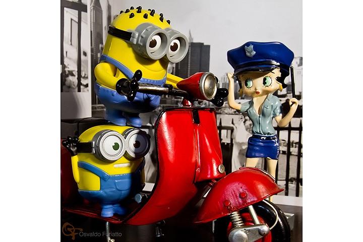 Minions em uma moto por dia: Dia 2